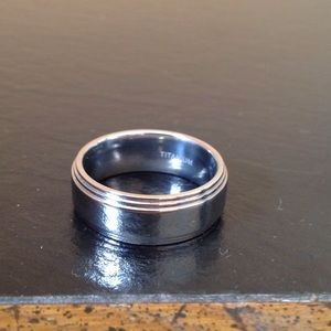 Other - NWOB Men's Titanium Wedding Band