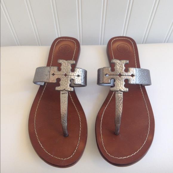 68a25c821 Tory Burch Moore Metallic Thong Sandal