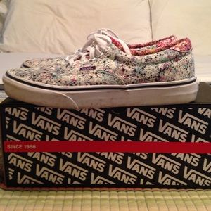 7a662c680e Vans Shoes - Vans Liberty Speckle True white 9 women