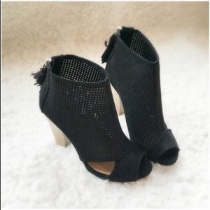 ⭐️SIZE 5.5 or 10⭐️NIB Black Caged/Cut Out Booties