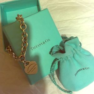 100% authentic Tiffany & Co charm bracelet!! ❤️❤️