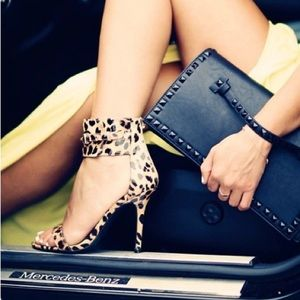 ✨HOUR SALE✨Leopard Ankle Strap Heel
