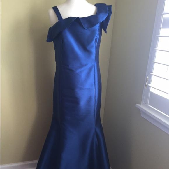 Lazaro Dresses & Skirts - Lazaro Gown