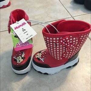 original top-rated top-rated professional Minnie Mouse snow boots NWT