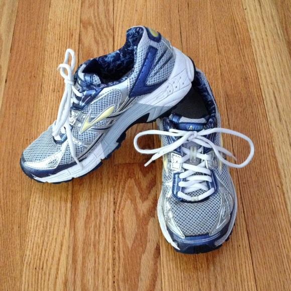 Ravenna Go2 Series Running Sneakers