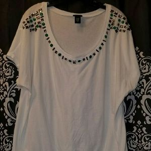 Beautiful embellished tee