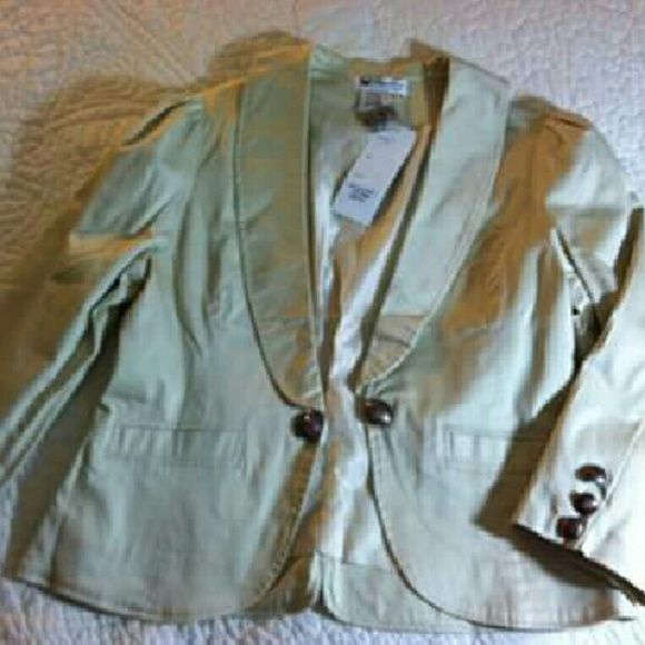 29% off Papillon Jackets &amp Blazers - Short Dressy Blazer/Jacket