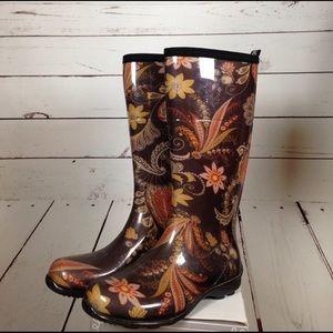 Kamik Shoes - Kamik brown print rain boots size 7