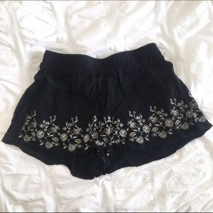 LF Pants - LF Floral Embroidered Shorts.