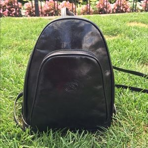 Tony Perotti Italian Leather Zip-Around  Backpack