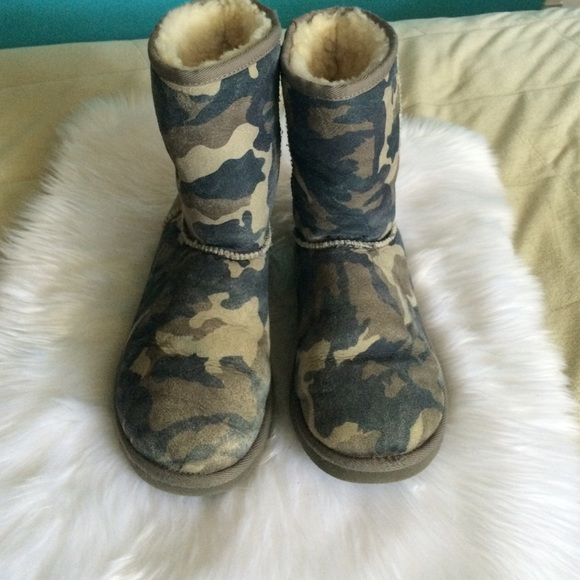 1a02048b365b Blue Camo Erin Ugg Boots For Babies
