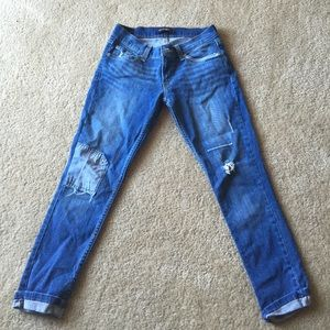 Levis cropped pants with patchwork and threading.