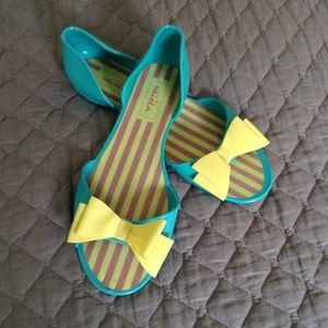 Shoes - Turquoise plastic flats with bows
