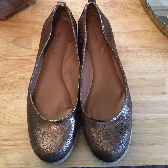Banana Republic Shoes - Banana Republic flat Espadrilles in Bronze