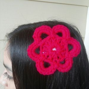 Other - New crochet flower hair clip red violet