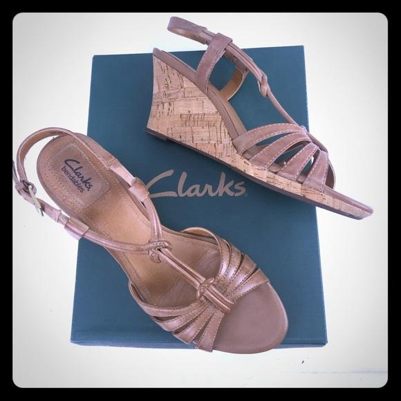 clarks beige sandals