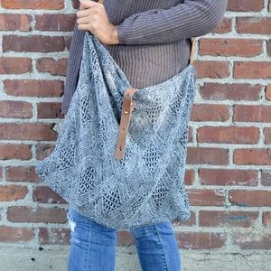 Gray knitted Tote bag