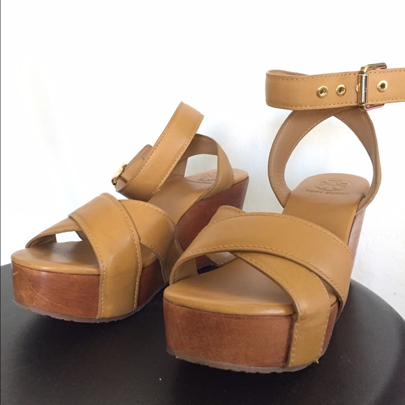 4bc73c7f713 Tory Burch Almita Wedge Sandals. M 57d5c696a88e7d7d86006fa9