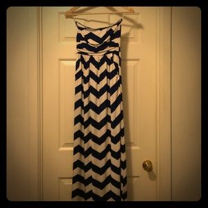 Fashionomics Chevron Maxi Dress