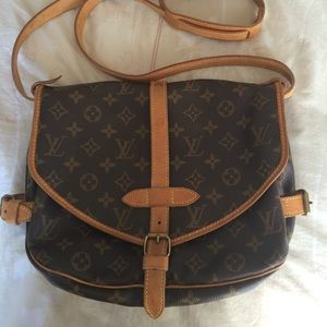 Louis Vuitton Handbags - SALE Authentic Louis Vuitton Saumur 30 messenger