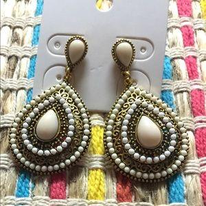 """Gorgeous earrings 2"""" long"""