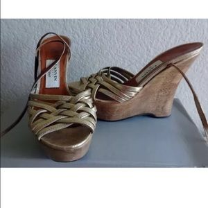 Lanvin gold Strappy wedges 36