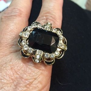 Jewelry - Black & Gold Ring