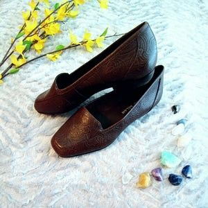 ANTONIO MELANI Shoes - Beautiful Antonio Melani Leather Flats!