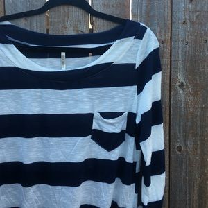 • [DNA couture] navy and white striped top •