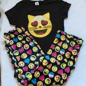 Boutique Other - Emoji Loungewear/Sleepwear Set. Size L