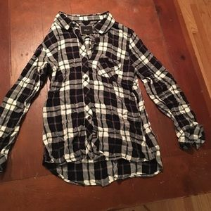 Rails Tops - Rails Flannel in black and green- size M