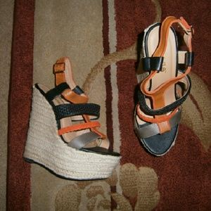 Liliana Shoes - Liliana espadrille wedge size 8.5m