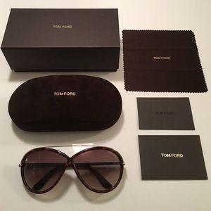 8ad3d7a581e3 Tom Ford Accessories - Brand New Tom Ford Tamara Sunglasses in Dk Havana