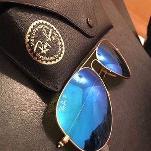 Blue aviator raybans