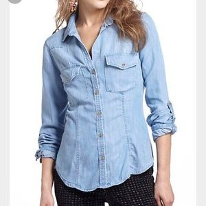 Anthropologie Cloth & Stone Fitted Chambray Shirt
