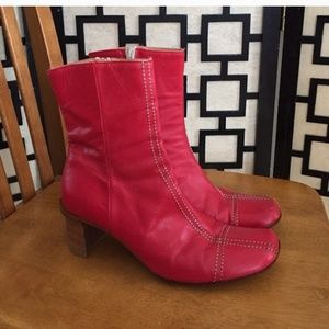 Alberto Fermani Shoes - Gorgeous cranberry leather booties