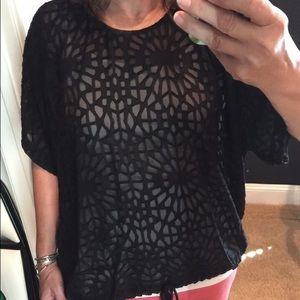 Pixley patterned top