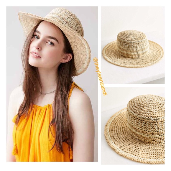 1703d49f553 Urban Outfitters Packable Boater Hat 👒HOST PICK👒