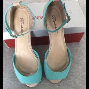 """Breckelles Shoes - """"NWOT"""" Breckelle Becky Flats"""