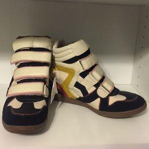 Shoes - Skechers Wedge Sneaker