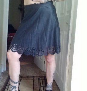 Stoosh Dresses & Skirts - NWOT Scalloped Edge Skirt