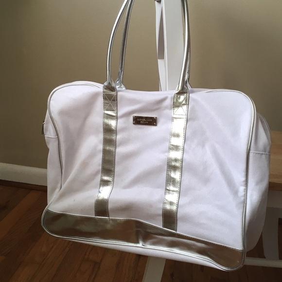 bf40e9245dcb Michael Kors White   Silver Canvas Zip Tote Bag. M 57d63235a88e7d7d86019556