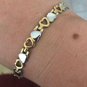 Jewelry - 💞Two~Toned Modern Bracelet 💞! Brand New !