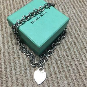 Tiffanys chain with heart charm