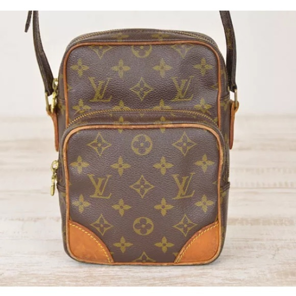 ba9a6f0fb623 Louis Vuitton Handbags - 💯Authentic Louis Vuitton Amazon cross body bag