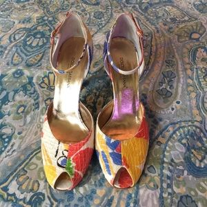 100% Authentic Dolce & Gabbana Peep Toe Pumps