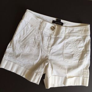 White House Black Market white shorts; size 00