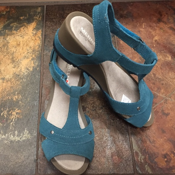 b99e99754fbe NWT Merrell Revalli Link Sandals Dragonfly Teal