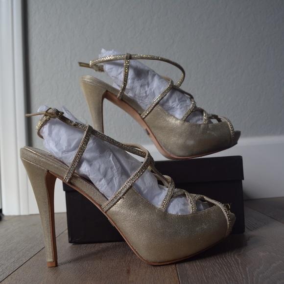 9b7d0729dc Badgley Mischka Shoes | Bessie Platinum Heels 85 | Poshmark