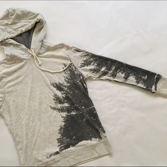 b8539e59556 American Eagle Outfitters Other - AEO MENS LONG SLEEVE TEE HOODIE WITH TREE  MOTIF